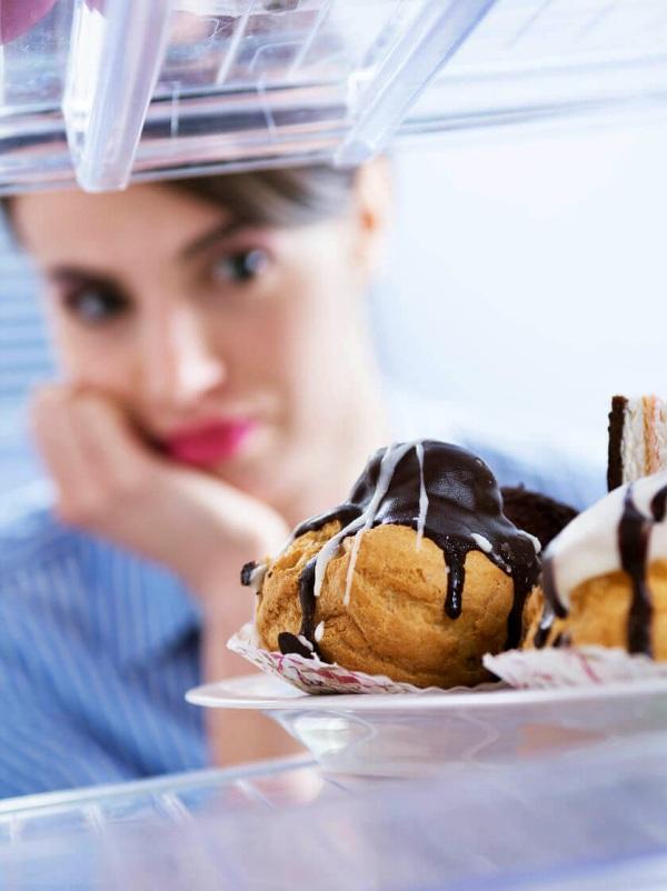 Cómo controlar la ansiedad y el hambre emocional