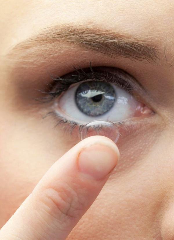 Si utilizas lentillas toma precauciones en la piscina