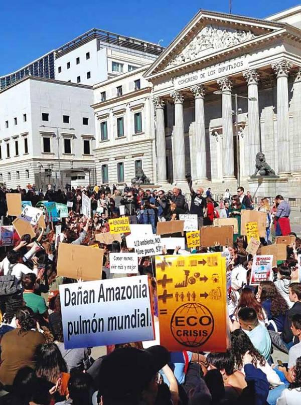 'Fridays for Future' sale hoy a las calles para denunciar los incendios de la Amazonia