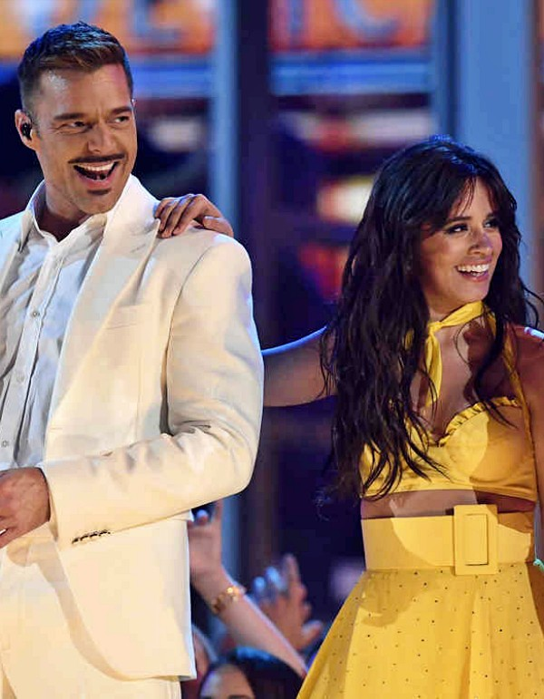 Ricky Martin y Camila Cabello 'claman' para frenar el fuego en el Amazonas
