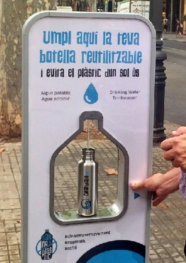La fuente de agua potable de la Plaza del Mercat (Palma) ha evitado el uso de más de 10.000 botellas de plástico
