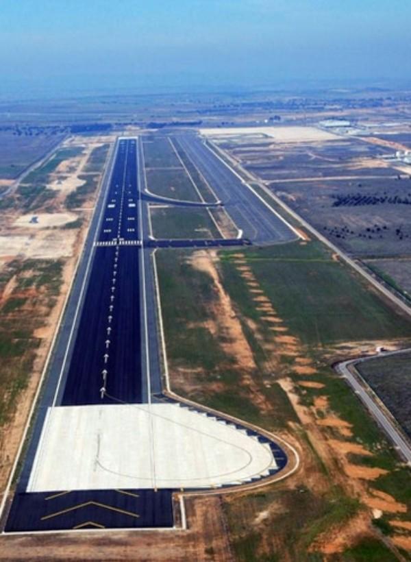 Ecologistas exigen un informe que valore el cumplimiento de los condicionados ambientales del Aeropuerto de Ciudad Real