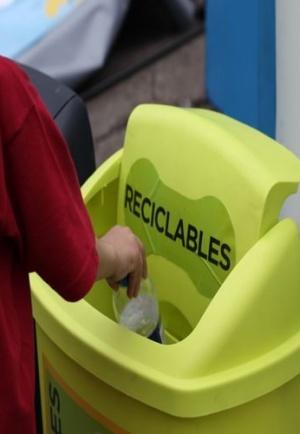 Educadores Ambientales sensibilizan sobre el desperdicio alimentario en Mercamadrid