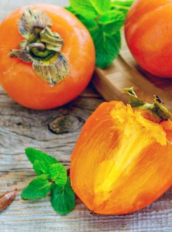 El caqui, la fruta del otoño con increíbles propiedades
