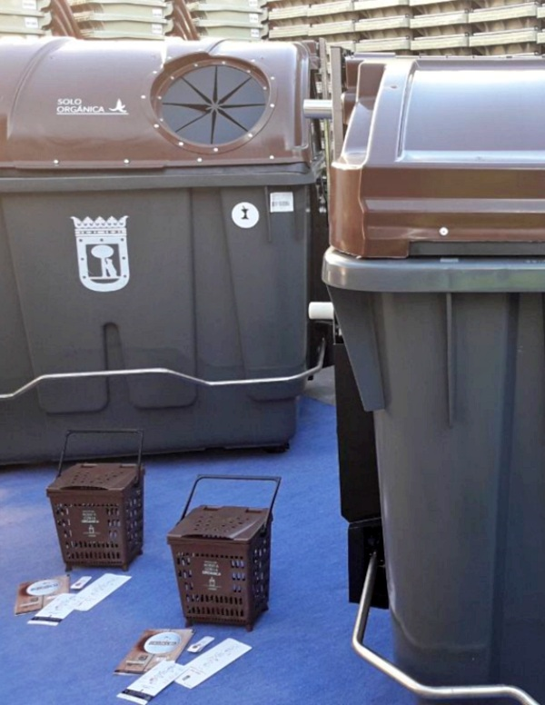 La recogida selectiva de materia orgánica se implanta en todo Madrid, salvo en Centro