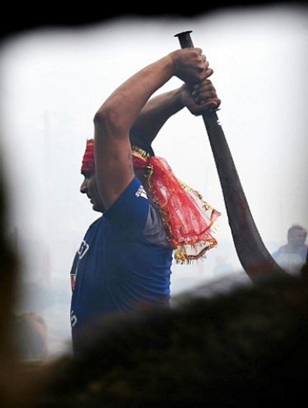 Sacrificio brutal en Nepal de miles de animales con cuchillos y machetes
