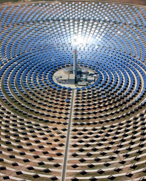 Innovador modelo de plantas termosolares para generar electricidad de forma limpia y eficiente