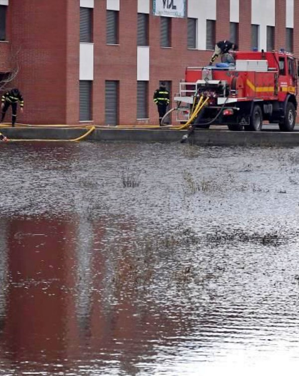 Castilla y León, vertido al Bernesga de aguas contaminadas de la explotación a cielo abierto de Santa Lucía