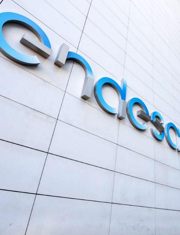 Endesa 'va lanzada' en proyectos de energías solares