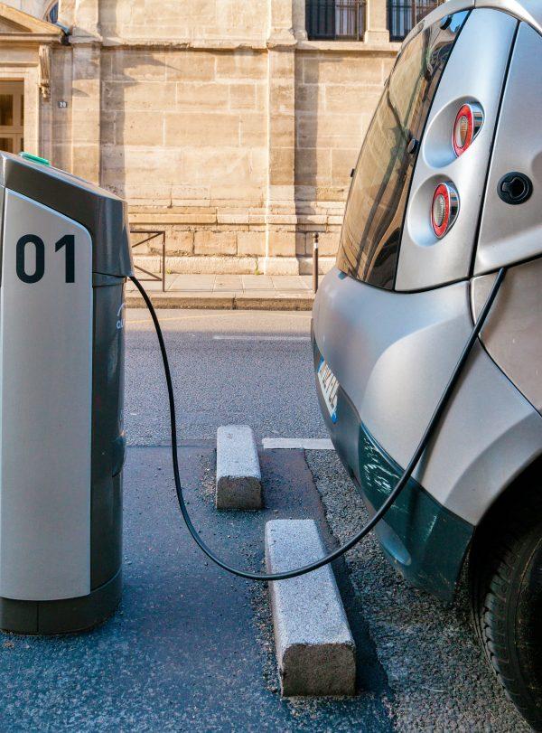 Europa se 'rinde' ante el coche eléctrico