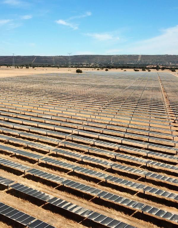 Endesa conecta a la red seis nuevas plantas solares en Extremadura con 252 MW