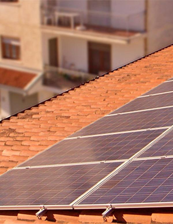 La Junta de Extremadura implementa energía fotovoltaica en sus edificios