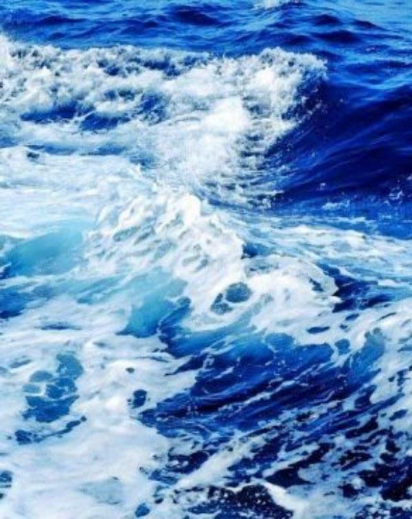 Tecnología verde para producir hidrógeno del agua del mar con eficiencia