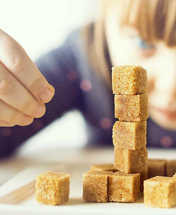 Tu 'bebé' ingiere una cucharadita de azúcares añadidos al día, y eso no es nada bueno