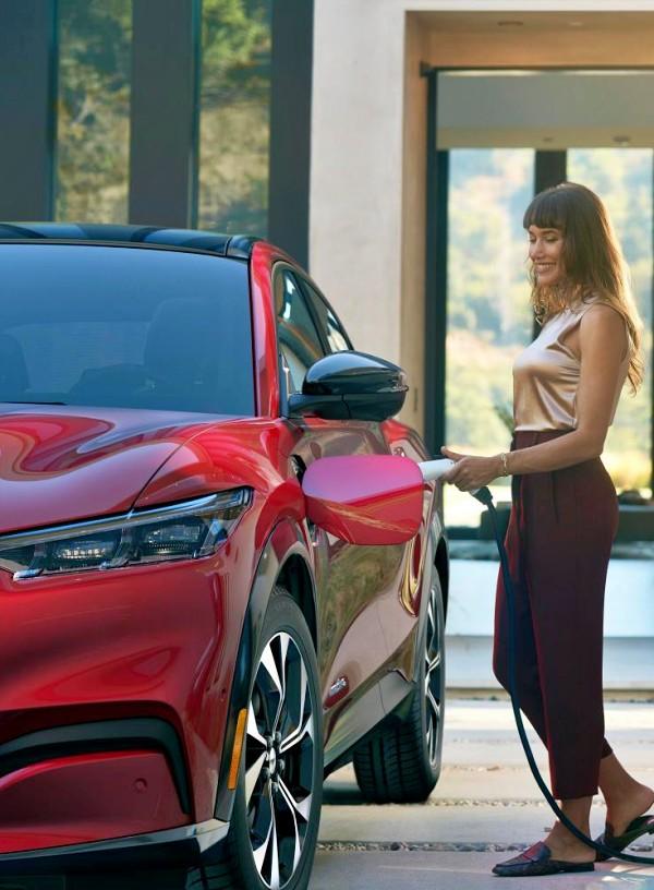 Ford Mustang todocamino eléctrico 'Mach-E'