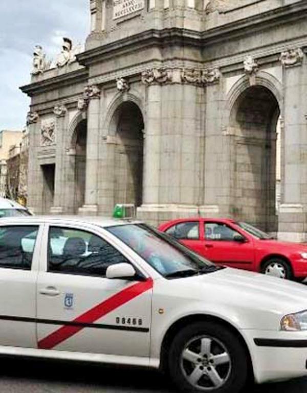 La Comunidad de Madrid 'subvencionará' a los taxis sostenibles con el medio ambiente