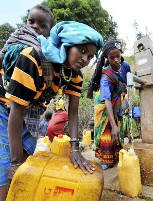 Tecnología verde para llevar agua potable a zonas rurales de Etiopía