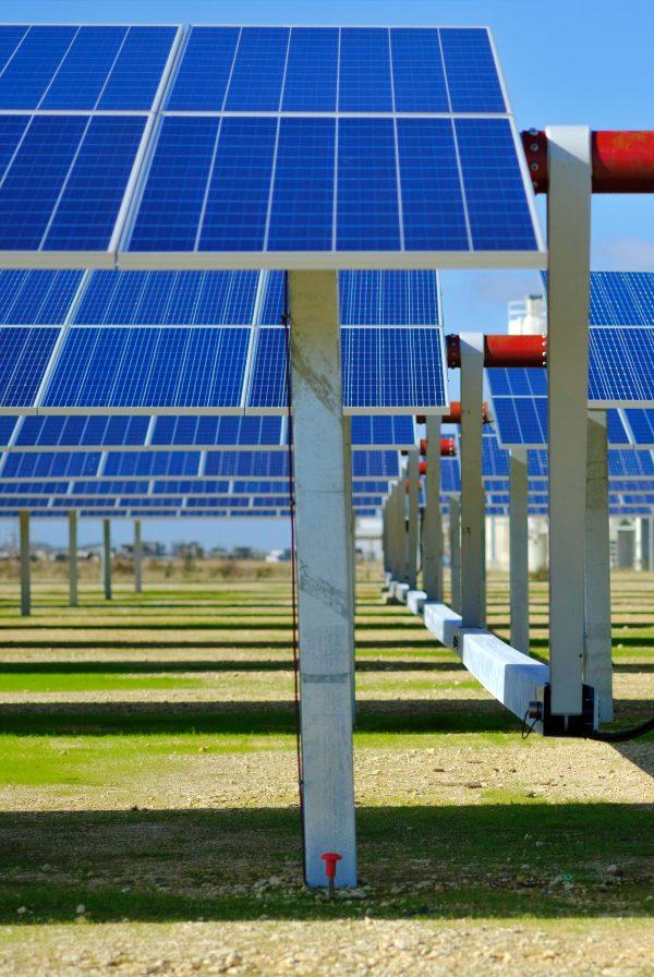 SENER instala innovadores seguidores fotovoltaicos en la planta de Meteogune (Álava)
