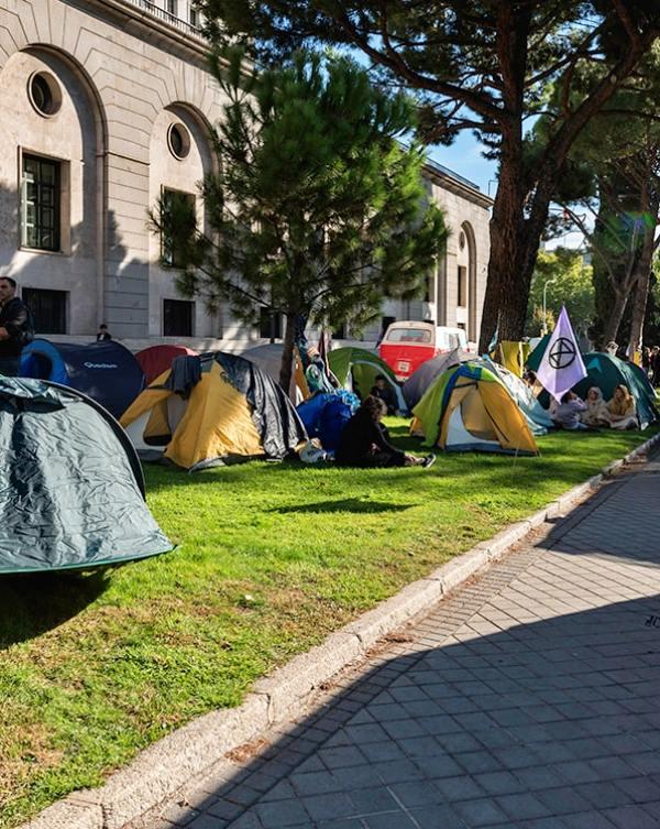 La acampada climática analizará y exigirá medidas urgentes frente a la emergencia ecológica