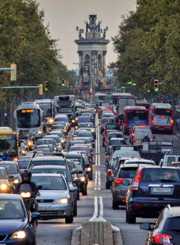 Catalunya sancionará con un impuesto a las emisiones de CO2 de los vehículos