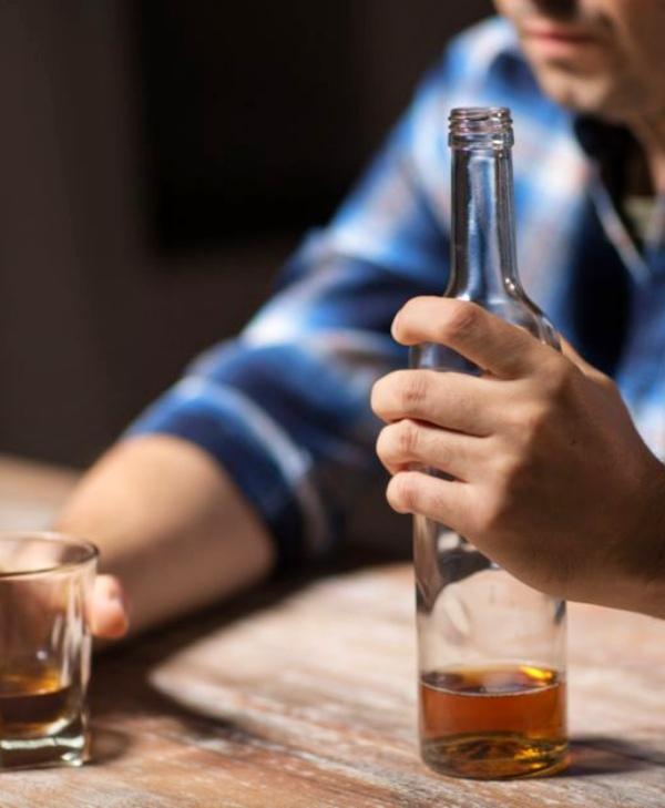 Alcoholismo es Alcoholismo, no te 'autoengañes'