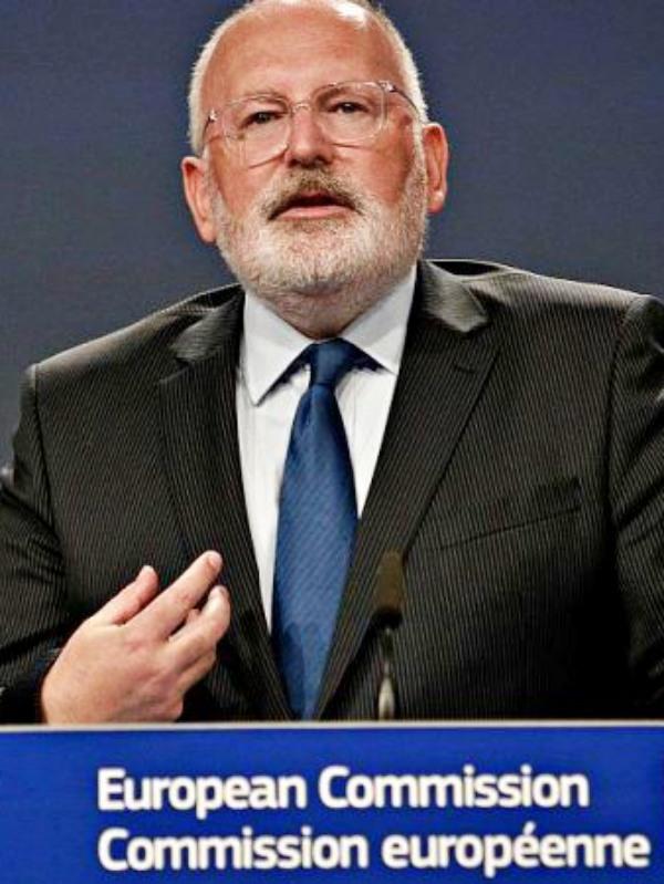 El vicepresidente de la Comisión Europea no da crédito a la poca energía solar instalada en España dado su 'potencial'