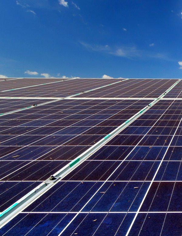 Málaga apuesta por la energía solar en sus edificios municipales