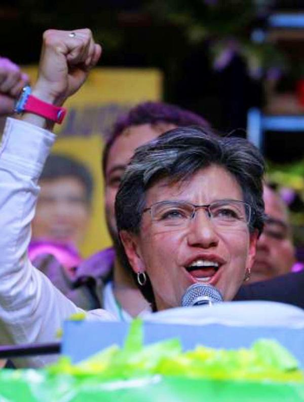 La candidata ecologista Claudia López se convierte en la primera alcaldesa de Bogotá