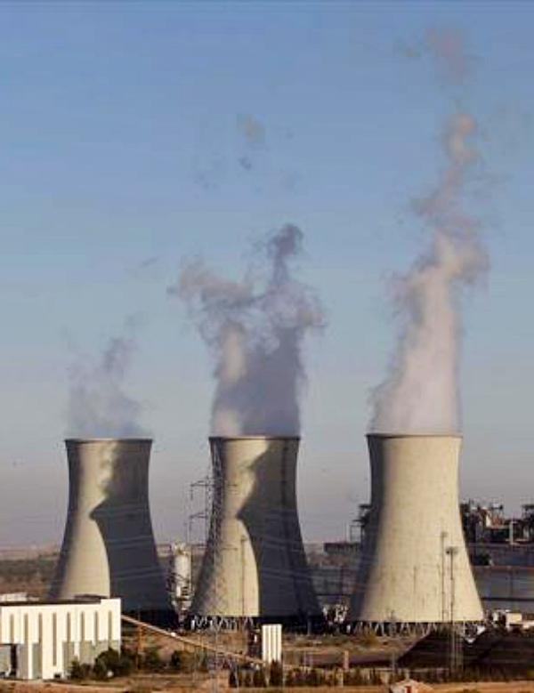 Los residuos en forma de ceniza que dejan las centrales de carbón sirven para producir un hormigón más duradero y libre de grietas