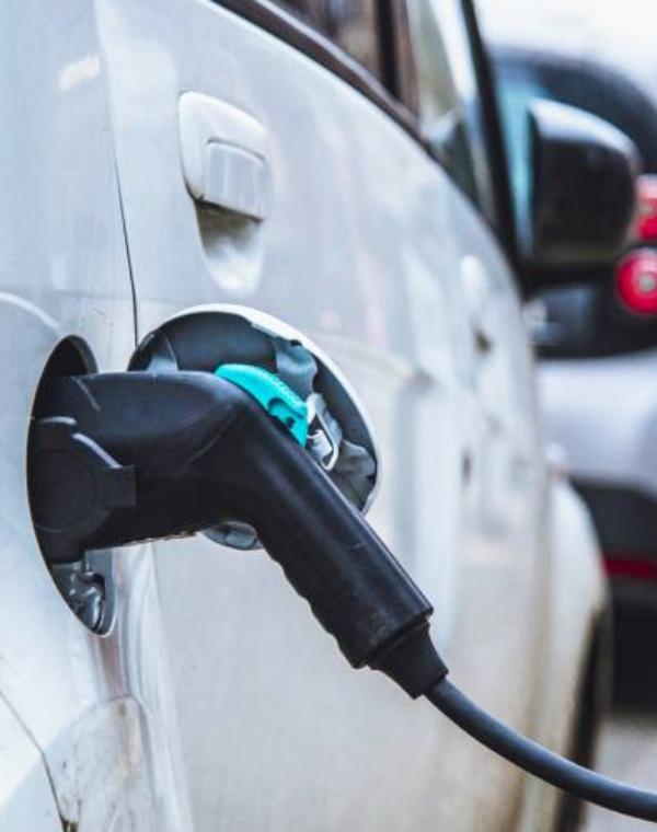 ¿Cargar tu coche eléctrico en 10 minutos?