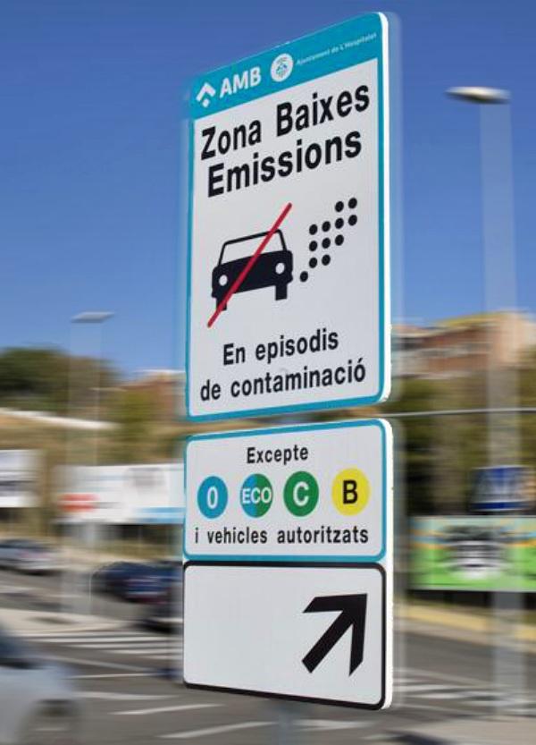 Barcelona aplicará una tarifa de 2 euros por circular en la zona de bajas emisiones sin etiqueta de la DGT