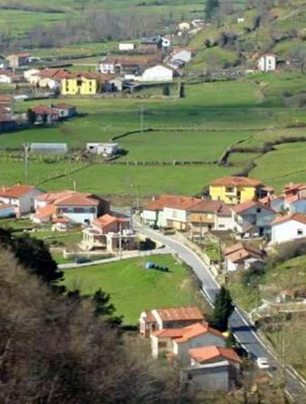 Asturias estudiará mejorar los caminos rurales en Cieza