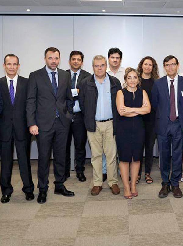Reunión para impulsar el hidrógeno en vehículos como elemento clave para la descarbonización
