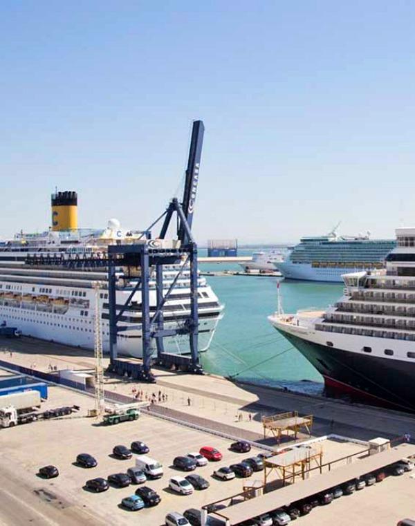 Andalucía 'auditará' las emisiones de gases, consumo y residuos de sus embarcaciones