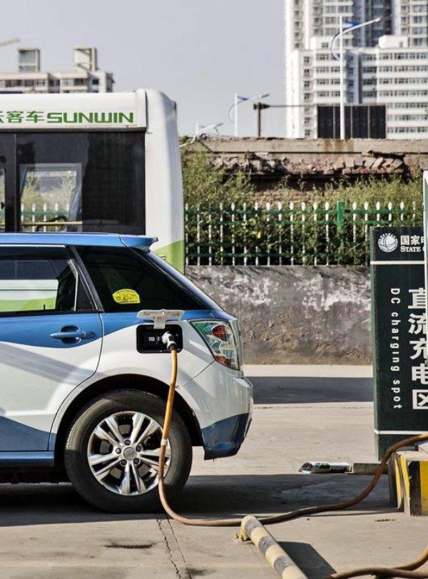 China gana la carrera del coche eléctrico