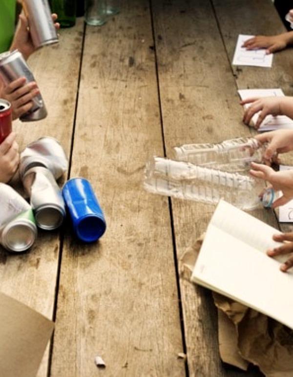 Cantabria. Más de 5.000 alumnos participan en talleres de 'sensibilización' y 'reciclaje' de MARE