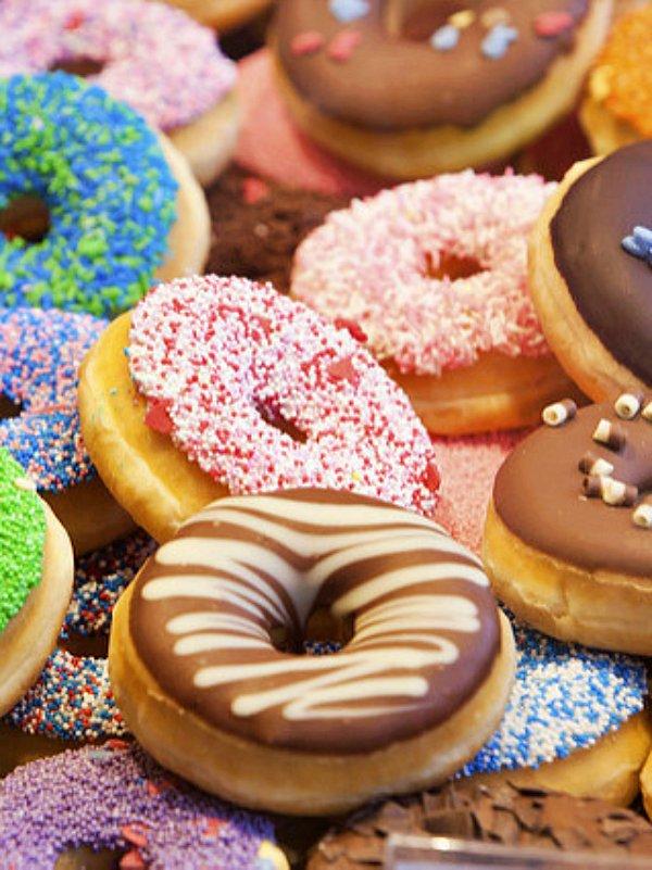 Impuesto a los 'snacks' cargados de azúcares, ¿la solución para combatir la obesidad?