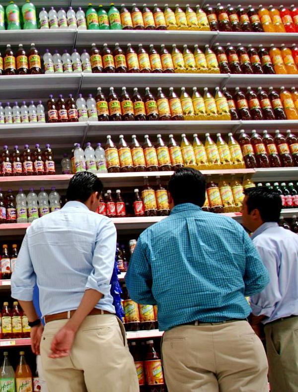 Las bebidas con azúcar te van a vaciar los bolsillos