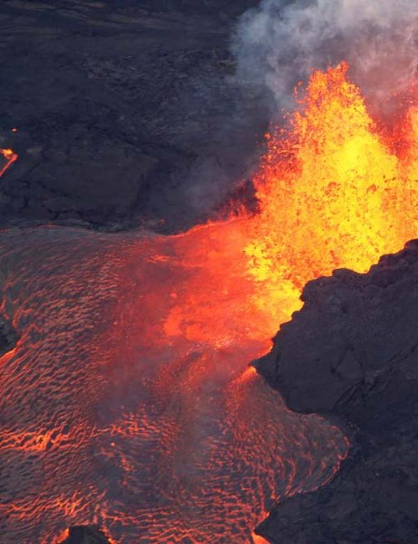 El volcán Kilauea en 2018 una 'fabrica' de generar súper floración de algas en el Océano Pacífico Norte