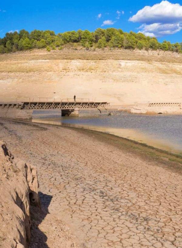 España se niega a 'atajar' la sequía que seguirá su carrera imparable