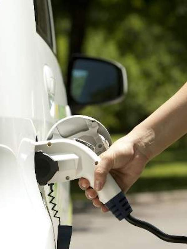 La venta de coches eléctricos 'cae en picado'