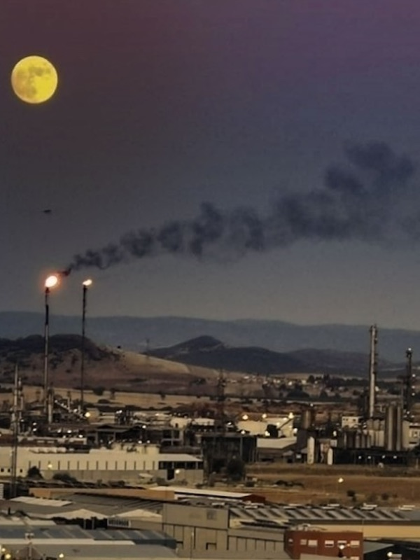 Repsol produce en su planta de Puertollano el primer biocombustible para aviones en España