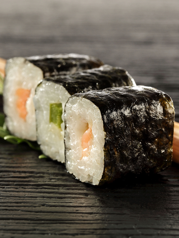 Ojito con el poke y el sushi tan de moda