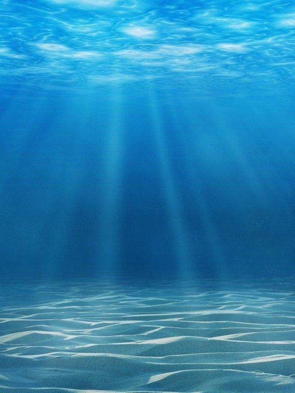 Tecnología verde para convertir agua de mar en agua potable segura y limpia en menos de 30 minutos usando luz solar