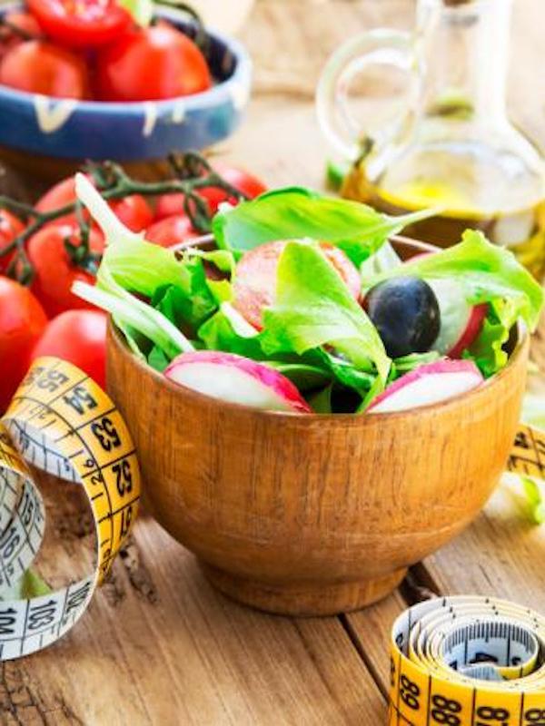 Reduce el tamaño de tus raciones de comida y haz ejercicio, es la única clave para perder peso