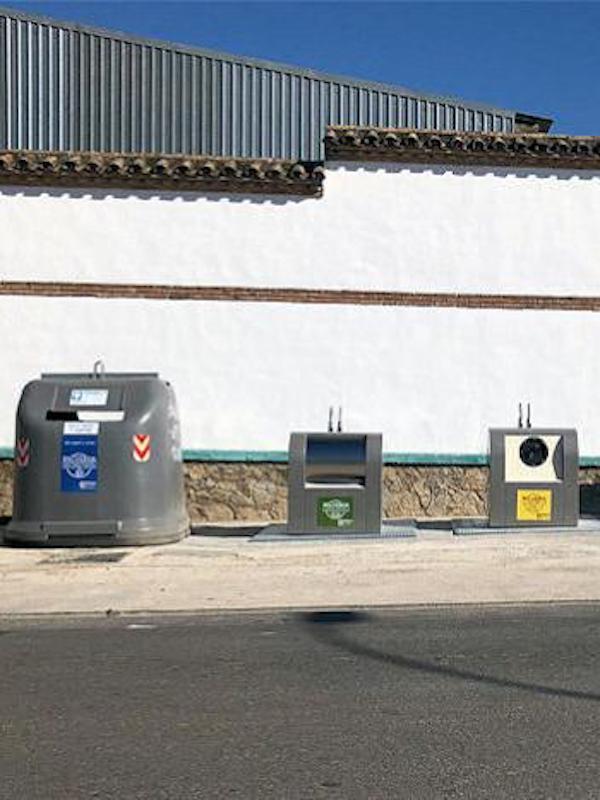 Aguilar de la Frontera implementa cuatro nuevos puntos de contenedores soterrados