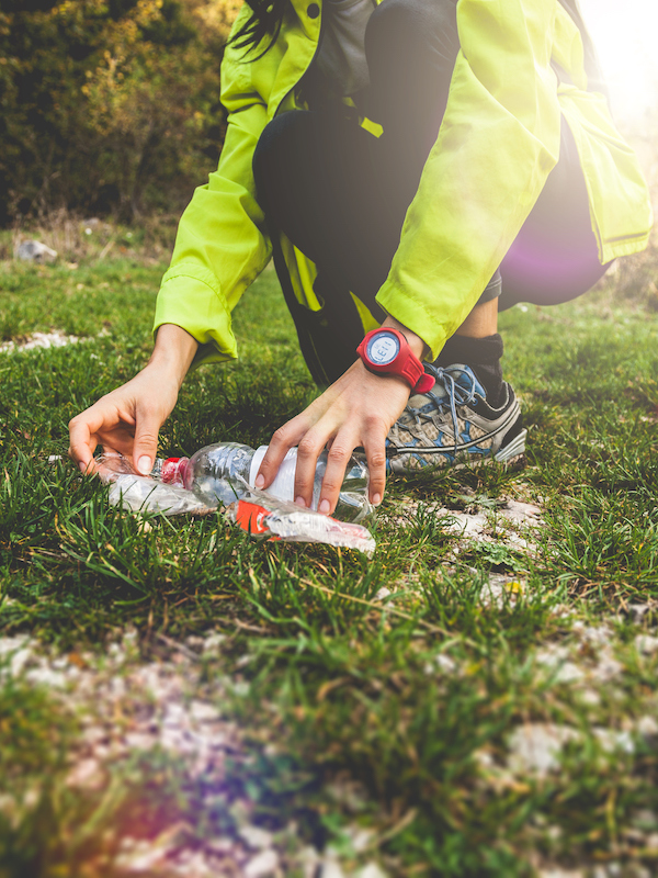 Residuos y reciclaje, campaña contra la 'basuraleza' en el monte