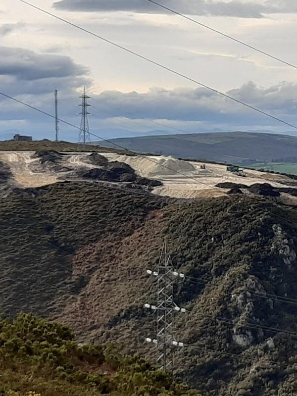 Asturias. Explotan una mina a cielo abierto de caolin en Salas sin autorización