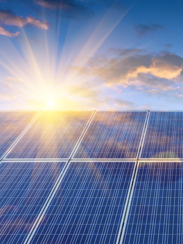 Energías renovables. Valencia presenta un documento estratégico para la transición energética de la ciudad