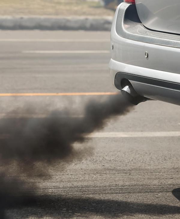 Reino Unido adelanta a 2035 la prohibición de la venta de coches diésel y gasolina